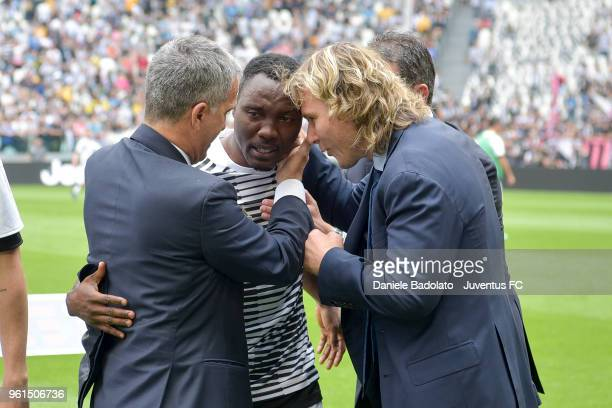 Aldo Dolcetti Kwadwo Asamoah and Pavel Nedved of Juventus in action during the serie A match between Juventus and Hellas Verona FC at Allianz Stadium...