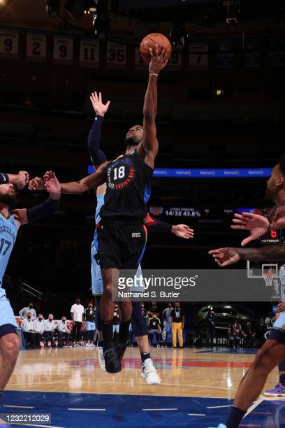 Alec Burks of the New York Knicks drives to the basket during the game against the Memphis Grizzlies on April 9, 2021 at Madison Square Garden in New...