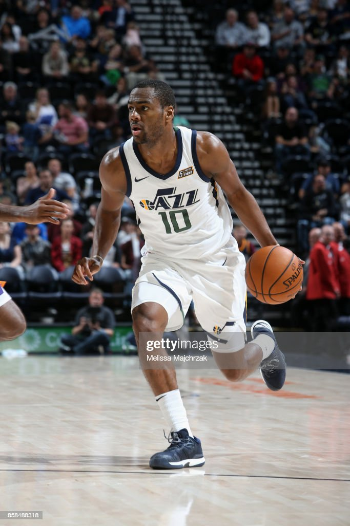 Alec Burks #10 of the Utah Jazz handles the ball against the Phoenix Suns on October 6, 2017 at vivint.SmartHome Arena in Salt Lake City, Utah.