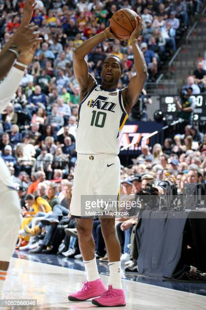 Alec Burks of the Utah Jazz looks to pass against the Golden State Warriors during a game on October 19 2018 at Vivint Smart Home Arena in Salt Lake...