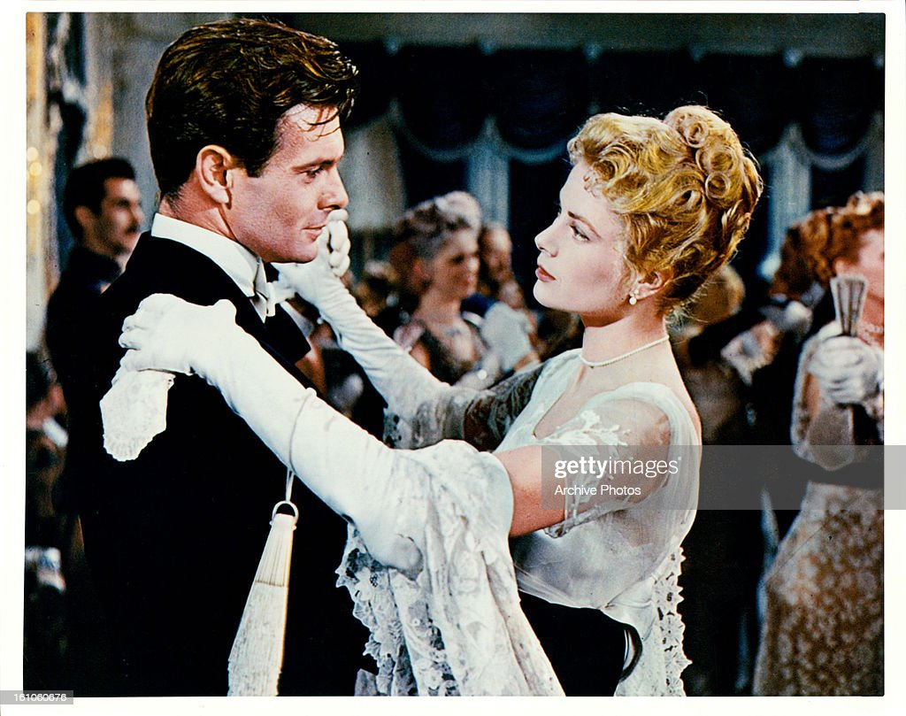 Alec Guinness dances with Grace Kelly in a scene from the film 'The... News  Photo - Getty Images