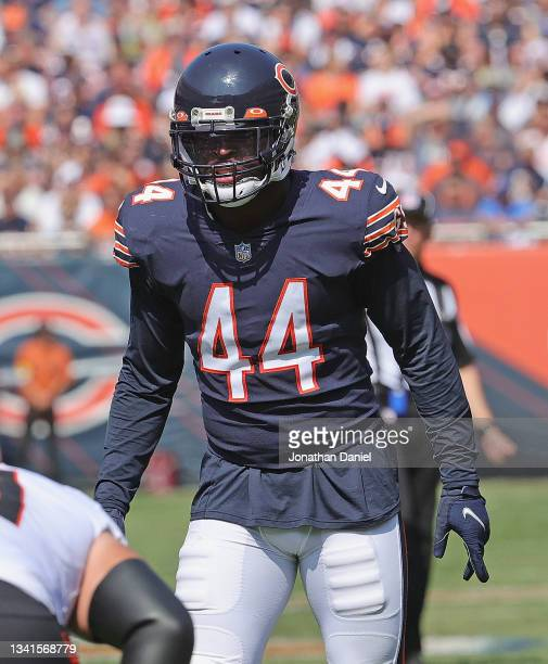 Alec Ogletree of the Chicago Bears awaits the snap against the Cincinnati Bengals at Soldier Field on September 19, 2021 in Chicago, Illinois. The...