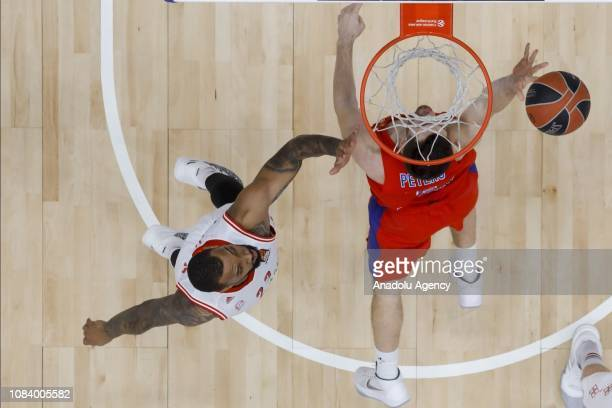 Alec Peters of CSKA Moscow vies with Derrick Williams of FC Bayern Munich during the Turkish Airlines Euroleague match between CSKA Moscow and FC...