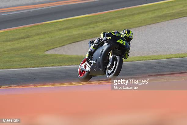 Aleix Espargaro of Spain and Aprilia Racing Team Gresini rounds the bend during the MotoGp Tests In Valencia at Ricardo Tormo Circuit on November 16...