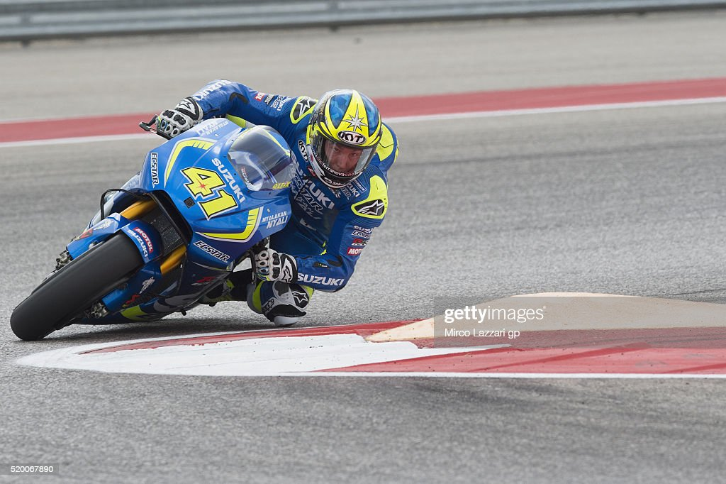 Aleix Espargaro of Spain and Team Suzuki ECSTA rounds the bend during the MotoGp Red Bull U.S. Grand Prix of The Americas - Qualifying at Circuit of The Americas on April 9, 2016 in Austin, Texas.