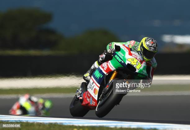 Aleix Espargaro of Spain rides the APRILIA RACING TEAM GRESINI Aprilia during free practice for the 2017 MotoGP of Australia at Phillip Island Grand...
