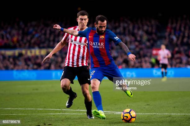 Aleix Vidal of FC Barcelona shoots the ball and scores his team's third goal during the La Liga match between FC Barcelona and Athletic Club at Camp...