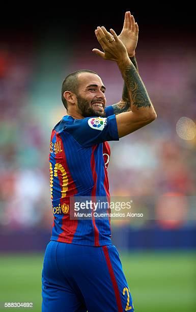 Aleix Vidal of FC Barcelona waves during the team official presentation ahead of the Joan Gamper trophy match between FC Barcelona and UC Sampdoria...