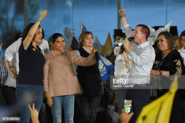 Alejandra Barrales Ricardo Anaya Magui Fisher and Xochitl Galvez candidates for Coalition for Mexico to the Front raise their hands during a Civic...