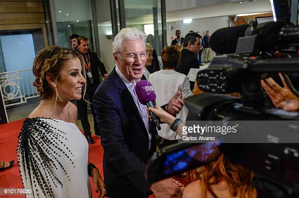 Alejandra Silva and Richard Gere attend the red carpet of the closing gala of 64th San Sebastian Film Festival at Kursaal on September 24 2016 in San...