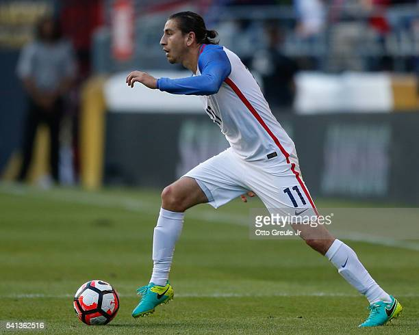 Alejandro Bedoya of the United States dribbles against Ecuador during the 2016 Quarterfinal Copa America Centenario match at CenturyLink Field on...