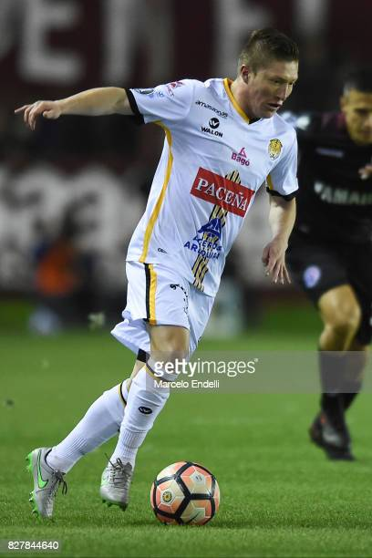 Alejandro Chumacero of The Strongest drives the ball during the second leg match between Lanus and The Strongest as part of round of 16 of Copa...