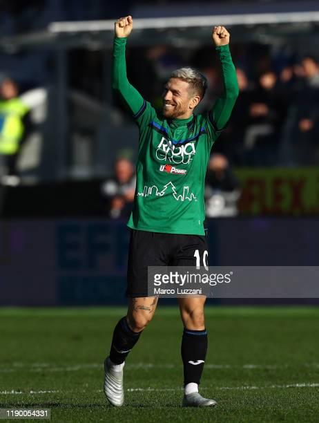 Alejandro Dario Gomez of Atalanta BC celebrates a victory at the end of the Serie A match between Atalanta BC and AC Milan at Gewiss Stadium on...