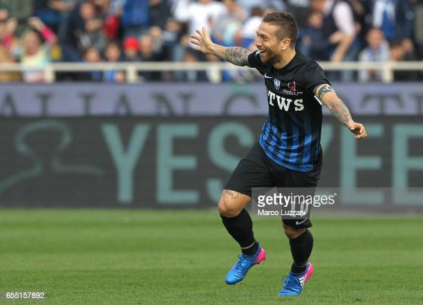 Alejandro Dario Gomez of Atalanta BC celebrates after scoring the opening goal during the Serie A match between Atalanta BC and Pescara Calcio at...