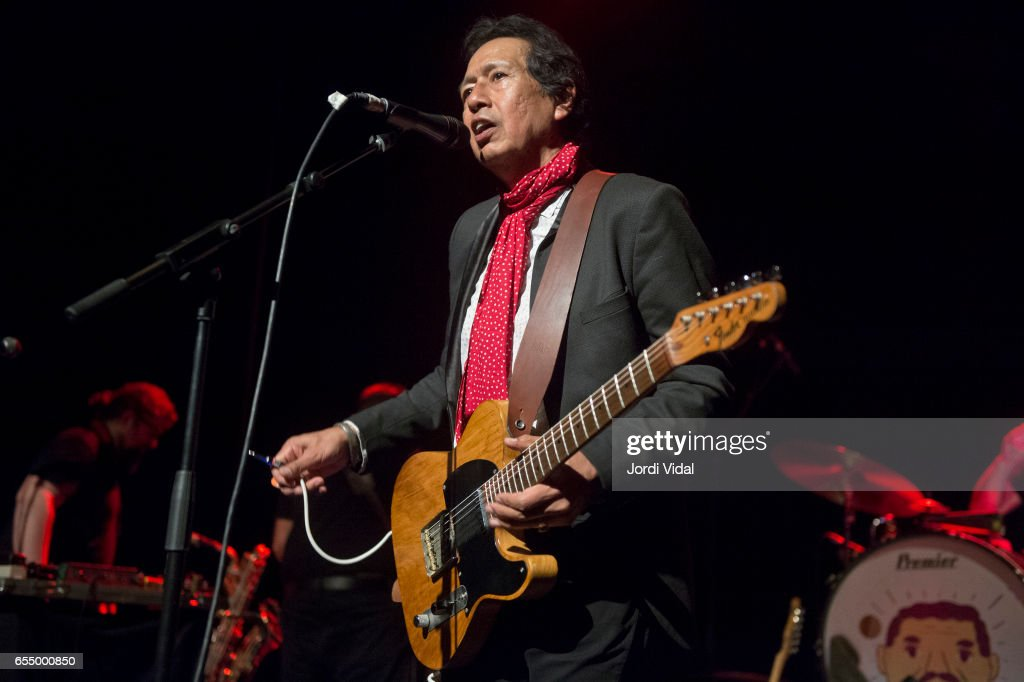 Alejandro Escovedo Performs in Concert in Barcelona