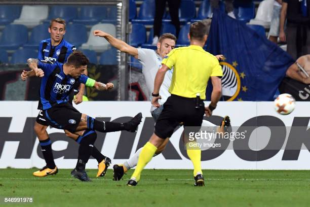 Alejandro Gómez of Atalanta scores the 20 goal during the UEFA Europa League group E match between Atalanta and Everton FC at Stadio Citta del...