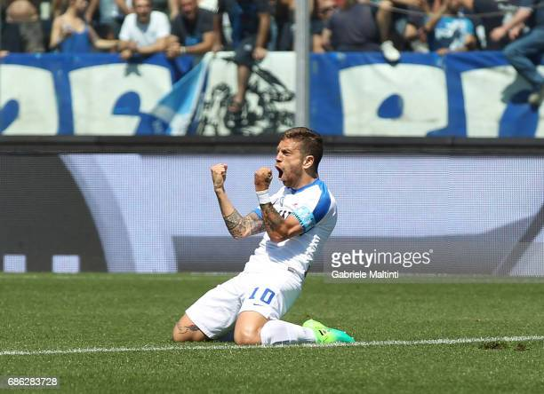 Alejandro Gomez of Atalanta BC celebrates after scoring a goal during the Serie A match between Empoli FC and Atalanta BC at Stadio Carlo Castellani...