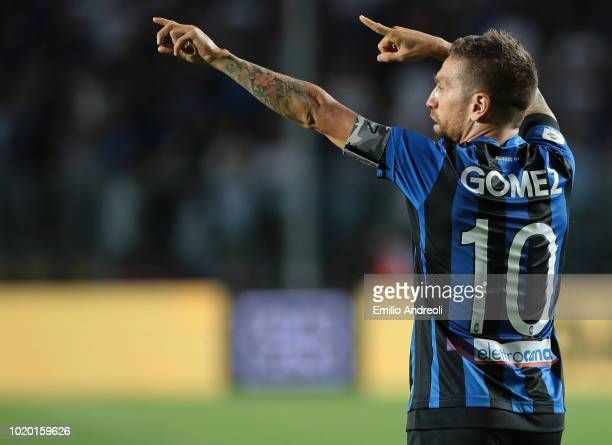 Alejandro Gomez of Atalanta BC celebrates after scoring the opening goal during the serie A match between Atalanta BC and Frosinone Calcio at Stadio...