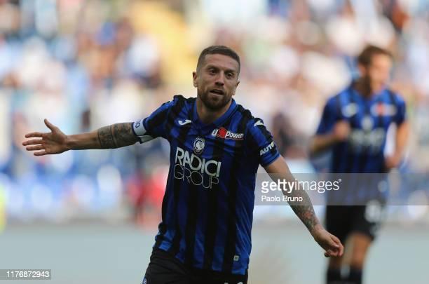 Alejandro Gomez of Atalanta BC celebrates after scoring the team's third goal during the Serie A match between SS Lazio and Atalanta BC at Stadio...