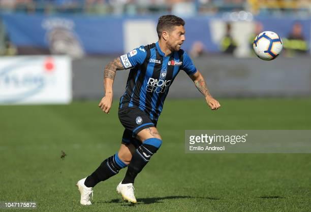 Alejandro Gomez of Atalanta BC in action during the Serie A match between Atalanta BC and UC Sampdoria at Stadio Atleti Azzurri d'Italia on October 7...