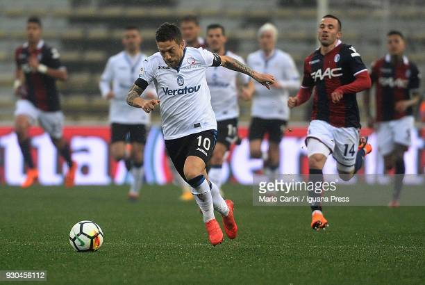 Alejandro Gomez of Atalanta BC in action during the Serie A match between Bologna FC and Atalanta BC at Stadio Renato Dall'Ara on March 11 2018 in...