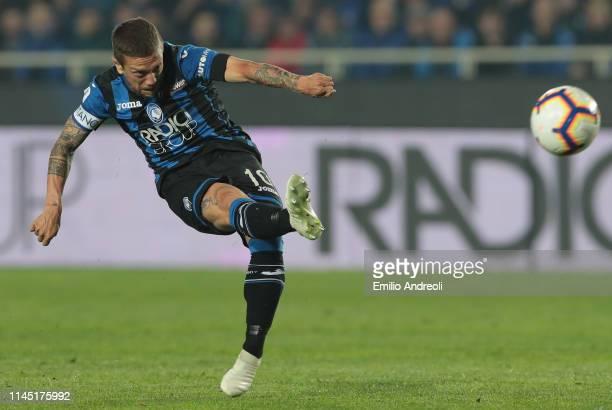 Alejandro Gomez of Atalanta BC kicks the ball during the TIM Cup match between Atalanta BC and ACF Fiorentina at Stadio Atleti Azzurri d'Italia on...