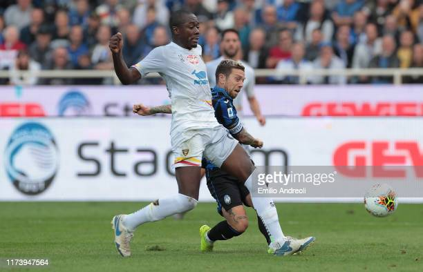 Alejandro Gomez of Atalanta BC scores his goal during the Serie A match between Atalanta BC and US Lecce at Gewiss Stadium on October 6 2019 in...