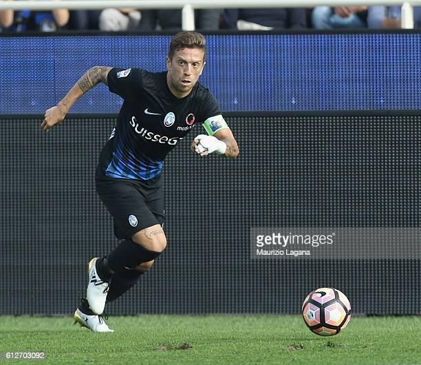Alejandro Gomez of Atalanta during the Serie A match between Atalanta BC and SSC Napoli at Stadio Atleti Azzurri d'Italia on October 2 2016 in...
