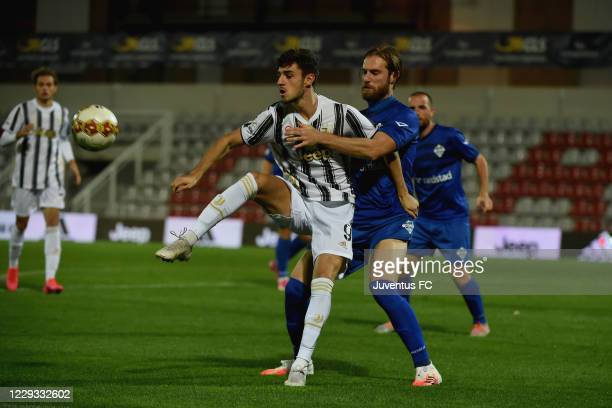Alejandro Mendez Marques of Juventus U23 competes for the ball during the Serie C match between Juventus U23 and Como at Stadio Giuseppe Moccagatta...