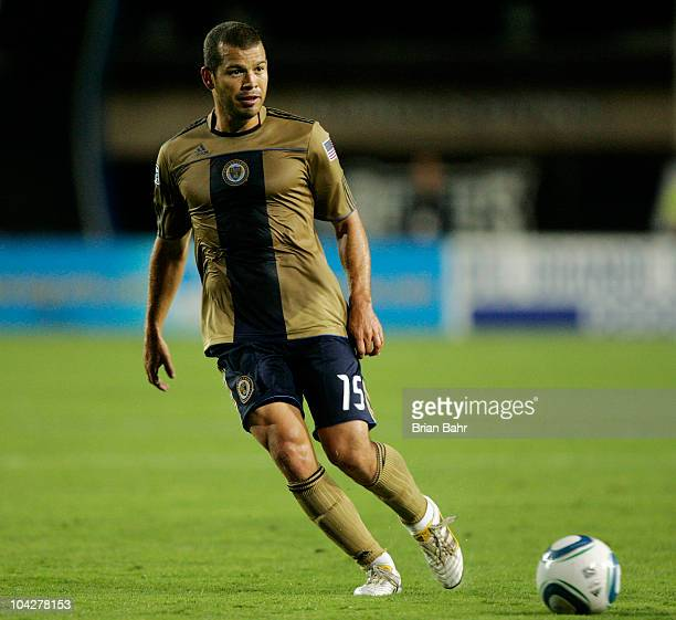 Alejandro Moreno of the Philadelphia Union passes the ball against the San Jose Earthquakes on September 15 2010 at Buck Shaw Stadium in Santa Clara...