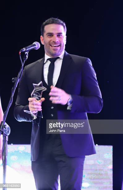 Alejandro Nones receives award at Premios Estrellas Digitales 2018 at James L Knight Center on May 31 2018 in Miami Florida