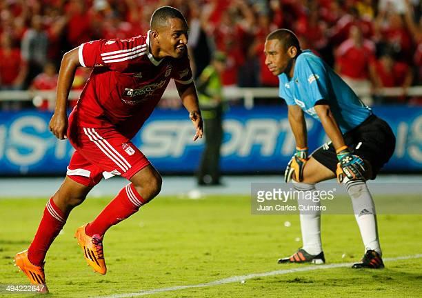 Alejandro Peñaranda of America de Cali celebrates a scored goal during a first leg semi final match between America de Cali and Llaneros as part of...