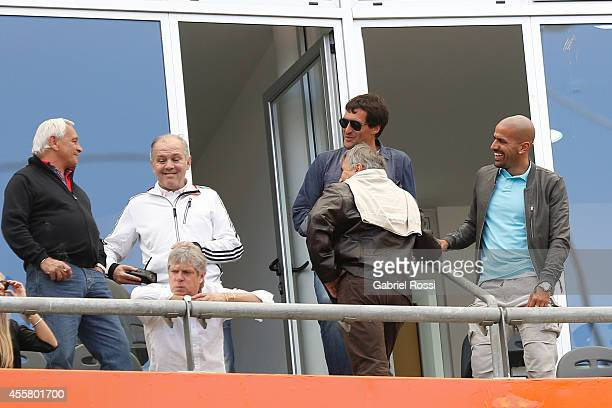 Alejandro Sabella former coach of Argentina Julian Camino and Juan Sebastian Veron former player of Estudiantes during a match between Estudiantes...