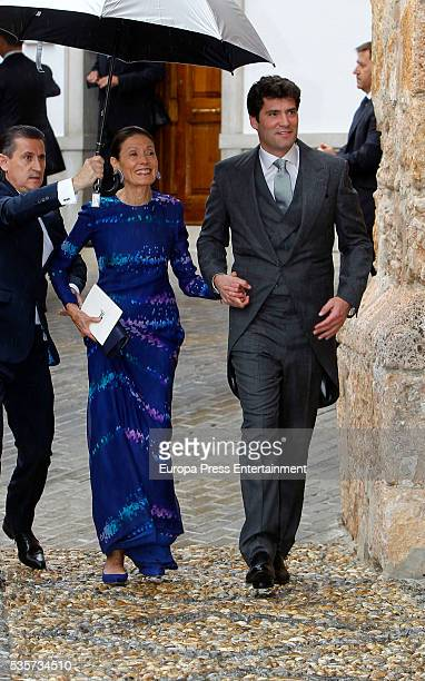 Alejandro Santo Domingo and his mother Beatrice Davila attend his wedding with Lady Charlotte on May 28 2016 in Granada Spain