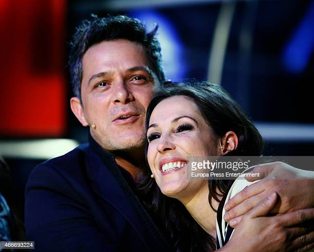 Alejandro Sanz and Malu pose during a photocall to present 'La Voz' on March 17 2015 in Madrid Spain