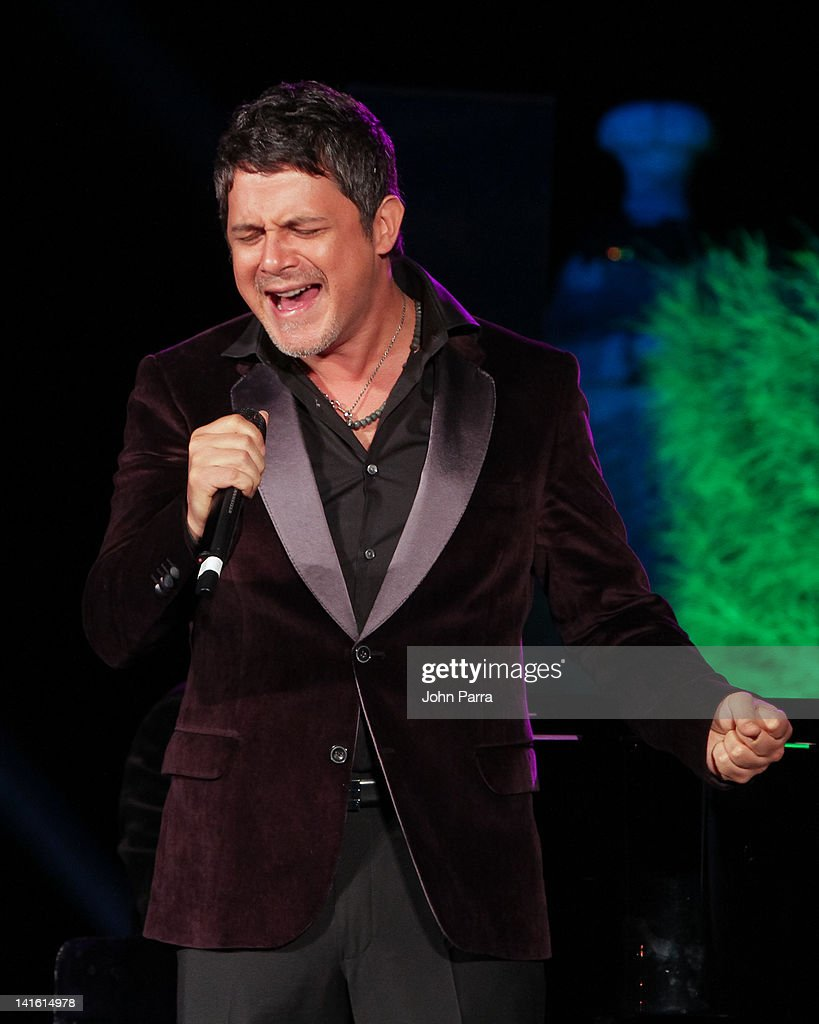 Alejandro Sanz performs during the Tony Bennett Benefit Gala at Vizcaya Museum & Gardens on March 19, 2012 in Miami, Florida.