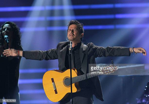 Alejandro Sanz performs onstage at the 25th Anniversary of Univision's 'Premio Lo Nuestro A La Musica Latina' on February 21 2013 in Miami Florida