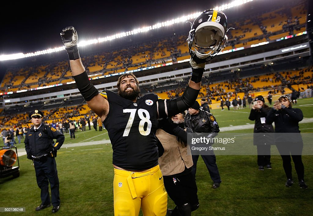 Alejandro Villanueva #78 of the Pittsburgh Steelers celebrates a Pittsburgh Steelers win over the Denver Broncos at Heinz Field on December 20, 2015 in Pittsburgh, Pennsylvania.