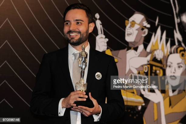 Alejandro Zuno poses with the Ariel Award for Best Feature Short Film for 'Oasis' during 60th Ariel Awards at Palacio de Bellas Artes on June 5 2018...