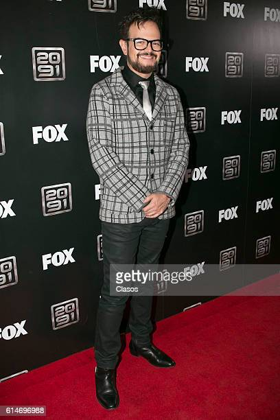 Aleks Syntek poses during Fox's series '2091' Red Carpet on October 14 at Foro Masaryk in Mexico City Mexico