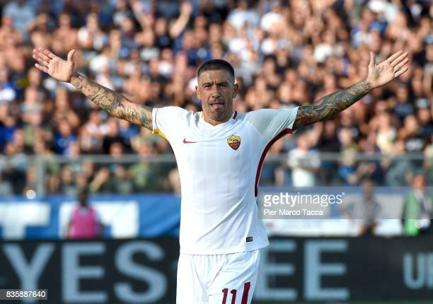 Aleksandar Kolarov of AS Roma celebrates his first goal during the Serie A match between Atalanta BC and AS Roma at Stadio Atleti Azzurri d'Italia on...