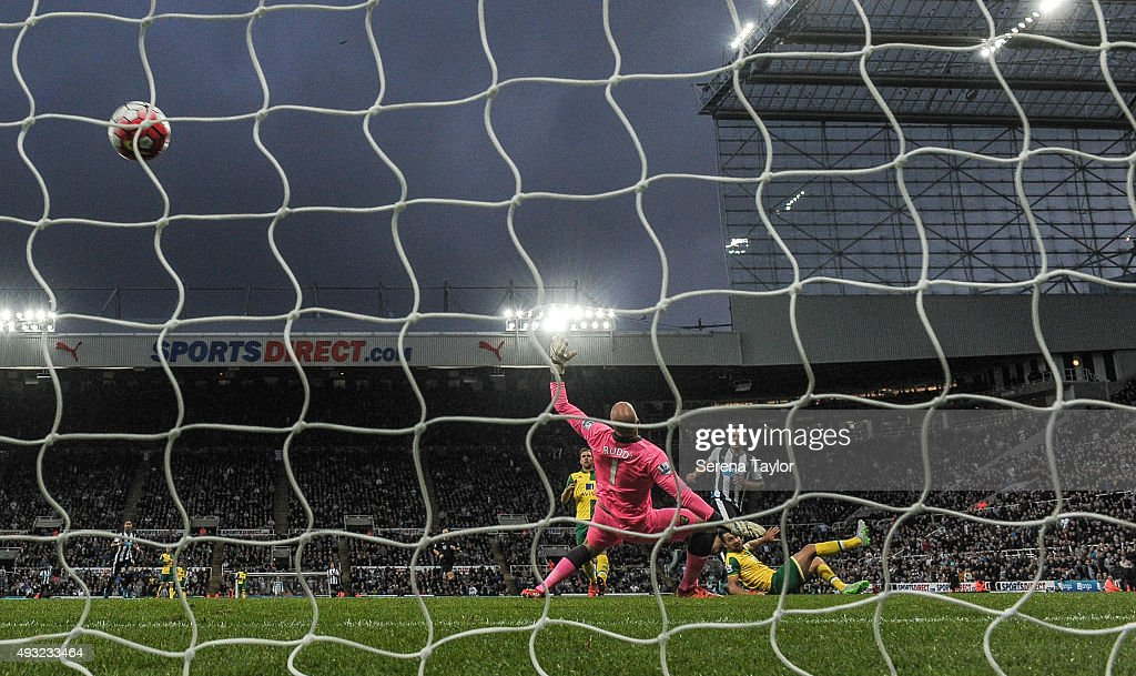Aleksandar Mitrovic of Newcastle scores Newcastle's fourth goal during the Barclays Premier League match between Newcastle United and Norwich City at St.James' Park on October 18, 2015, in Newcastle upon Tyne, England.