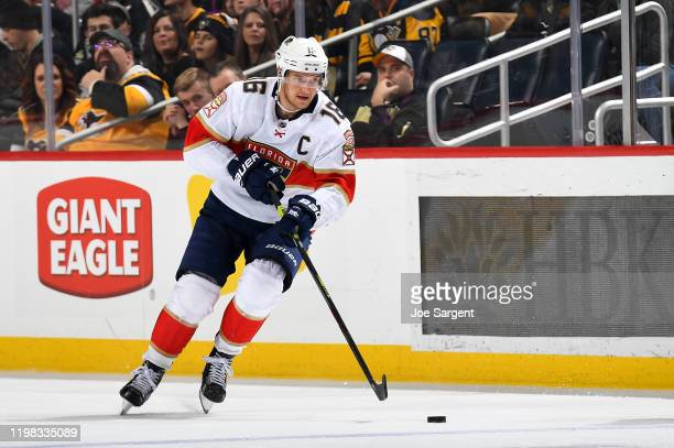 Aleksander Barkov of the Florida Panthers skates against the Pittsburgh Penguins at PPG PAINTS Arena on January 5, 2020 in Pittsburgh, Pennsylvania.