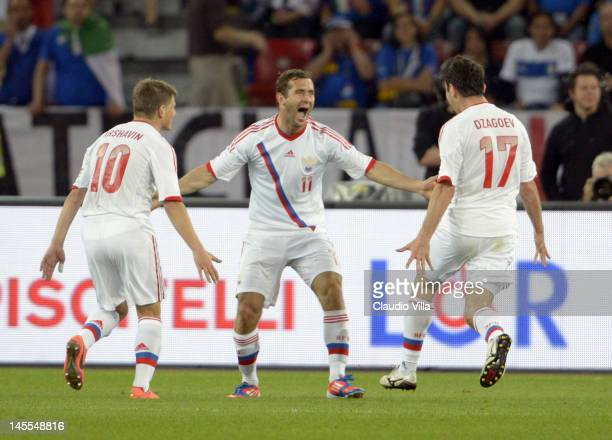 Aleksandr Kerzhakov of Russia celebrates scoring the first goal during the international friendly match between Italy and Russia at Letzigrund on...