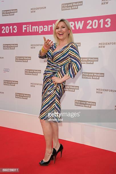 Aleksandra Bechtel auf dem roten Teppich Filmparty in der Kölner Wolkenburg