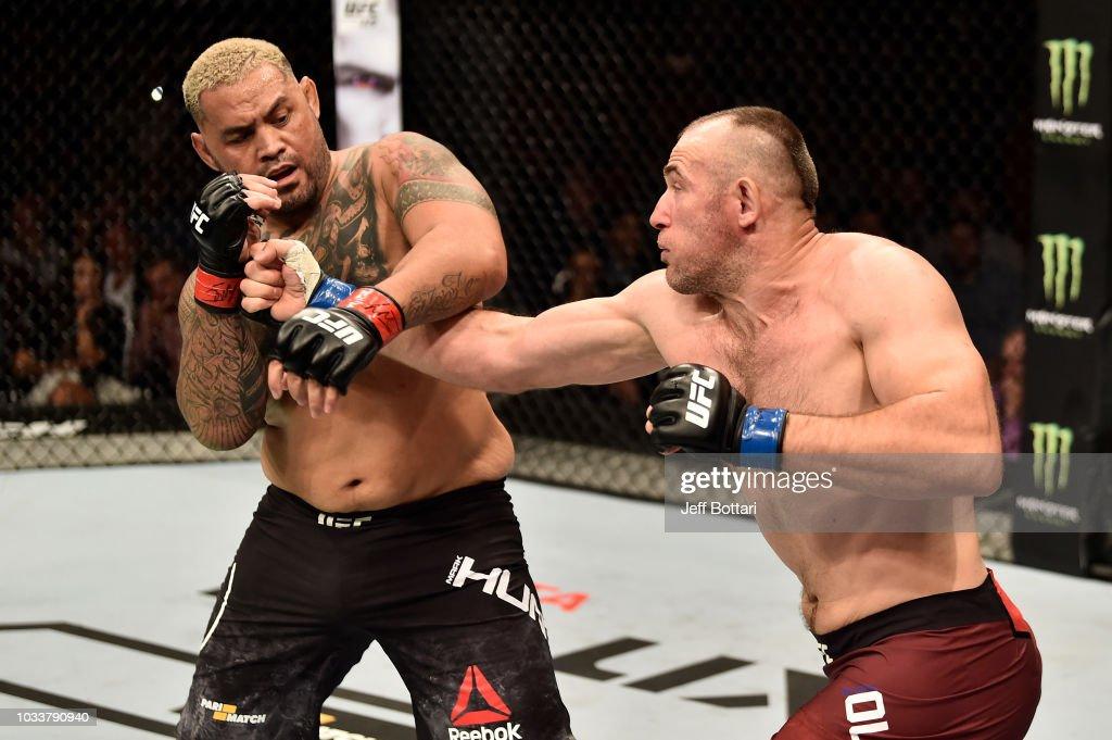 UFC Fight Night Moscow: Hunt v Oleinik : News Photo