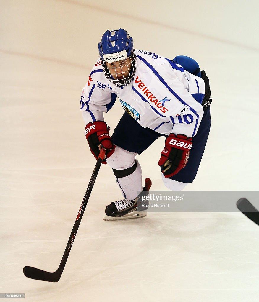 Finland v USA Blue - 2014 USA Hockey Junior Evaluation Camp : News Photo