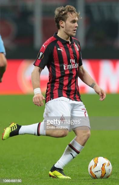 Alen Halilovic of AC Milan in action during the UEFA Europa League Group F match between AC Milan and F91 Dudelange at Stadio Giuseppe Meazza on...