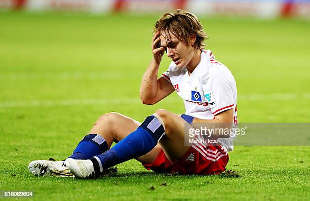 Alen Halilovic of Hamburg reacts during the Bundesliga match between Hamburger SV and Eintracht Frankfurt at Volksparkstadion on October 21 2016 in...