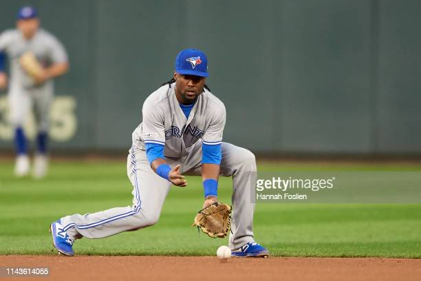 Alen Hanson of the Toronto Blue Jays makes a play at second base against the Minnesota Twins during the game on April 16 2019 at Target Field in...